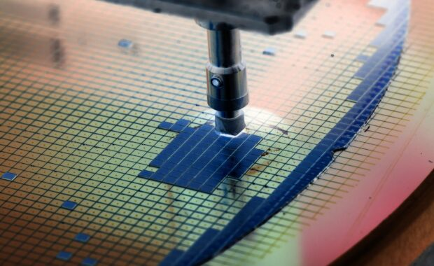 Global semiconductor revenue tops 500 billion in 2021